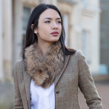 Jo Jo Small Natural Raccoon Fur Collar