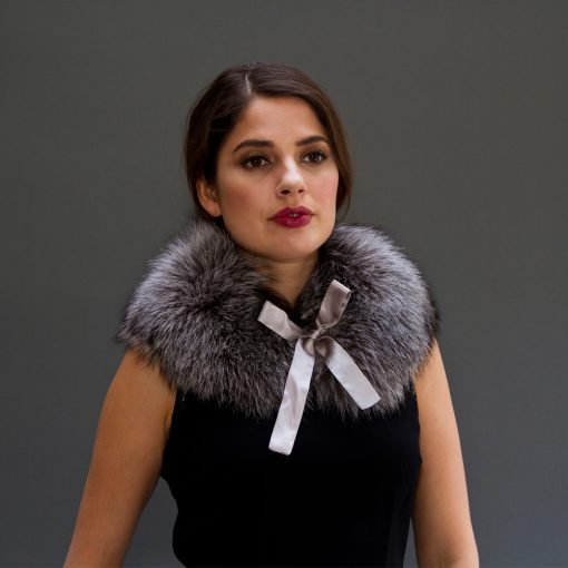 Medium Silver Fox Fur Collar With Bow