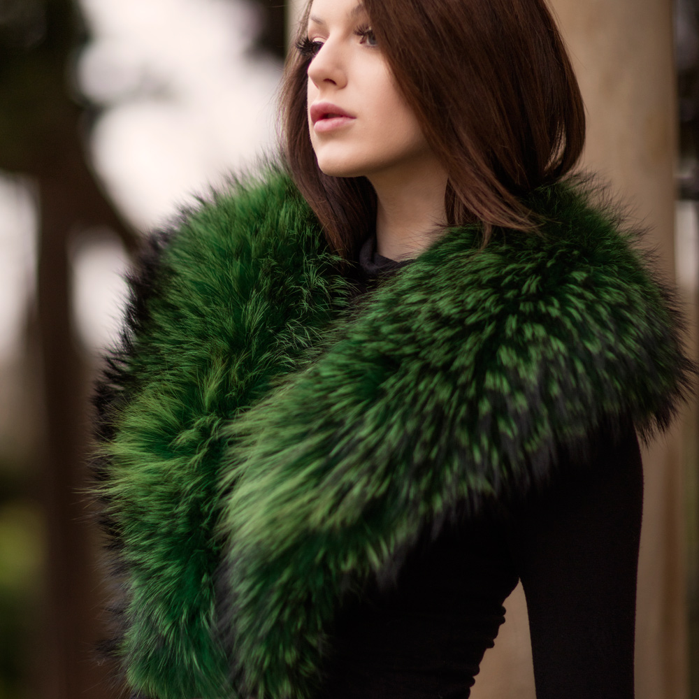 Large Emerald Green Raccoon Fur Collar