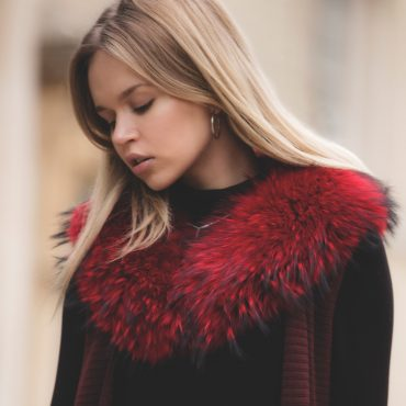 Claudie Red Medium Raccoon Fur Collar