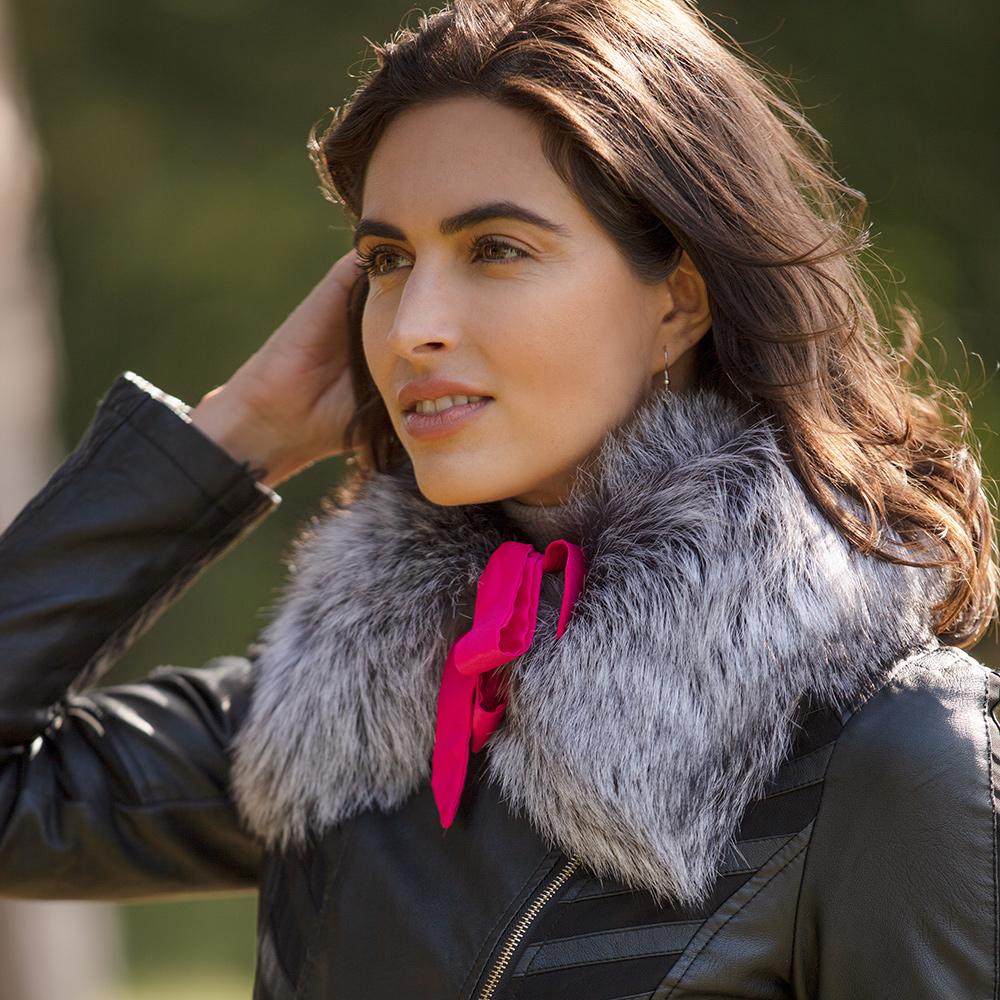 Caroline Small Silver Fox Fur Collar